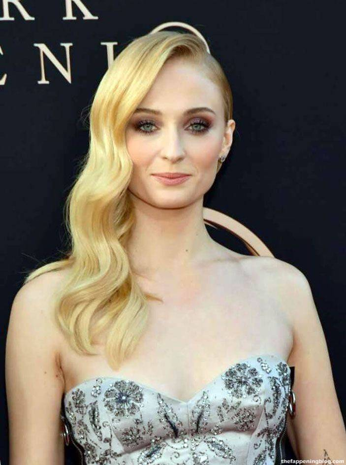 Sophie Turner Nude Sexy 96