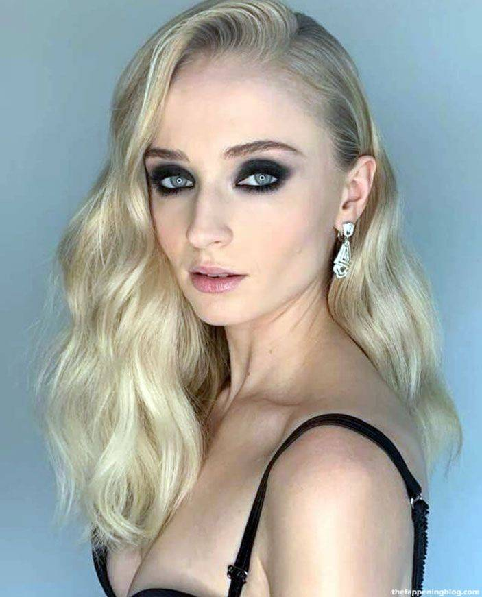 Sophie Turner Nude Sexy 98