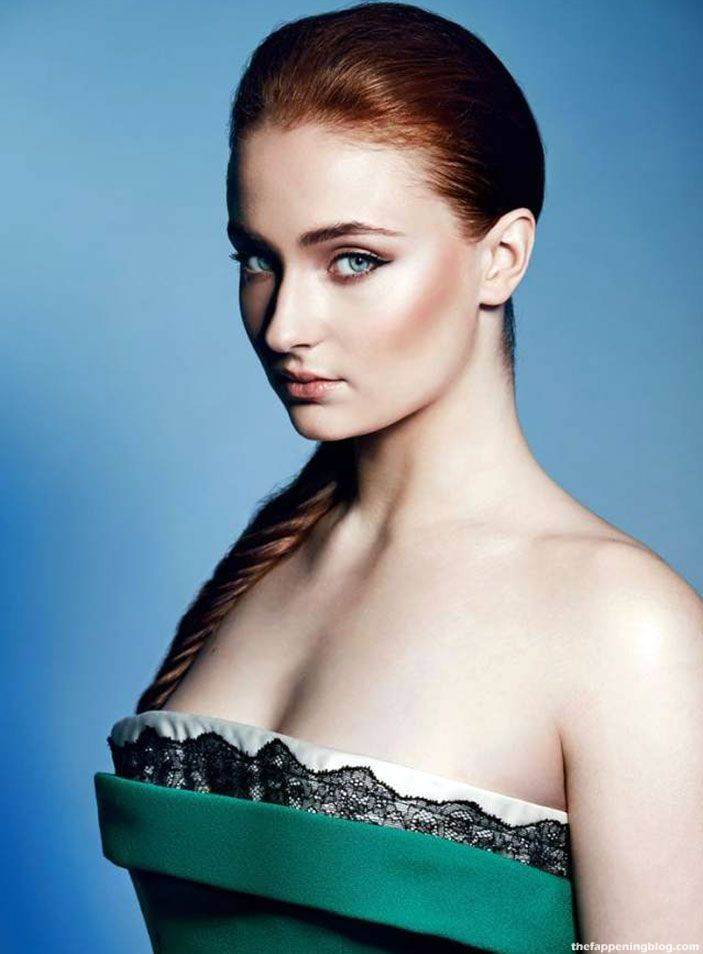 Sophie Turner Nude Sexy 108