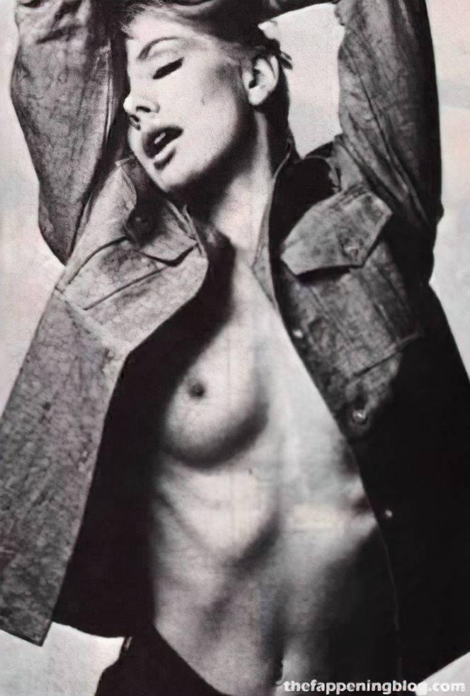Susan Hampshire Nude Sexy 1