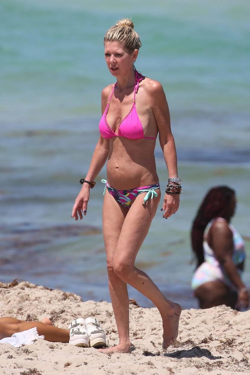 Tara Reid Bikini 26