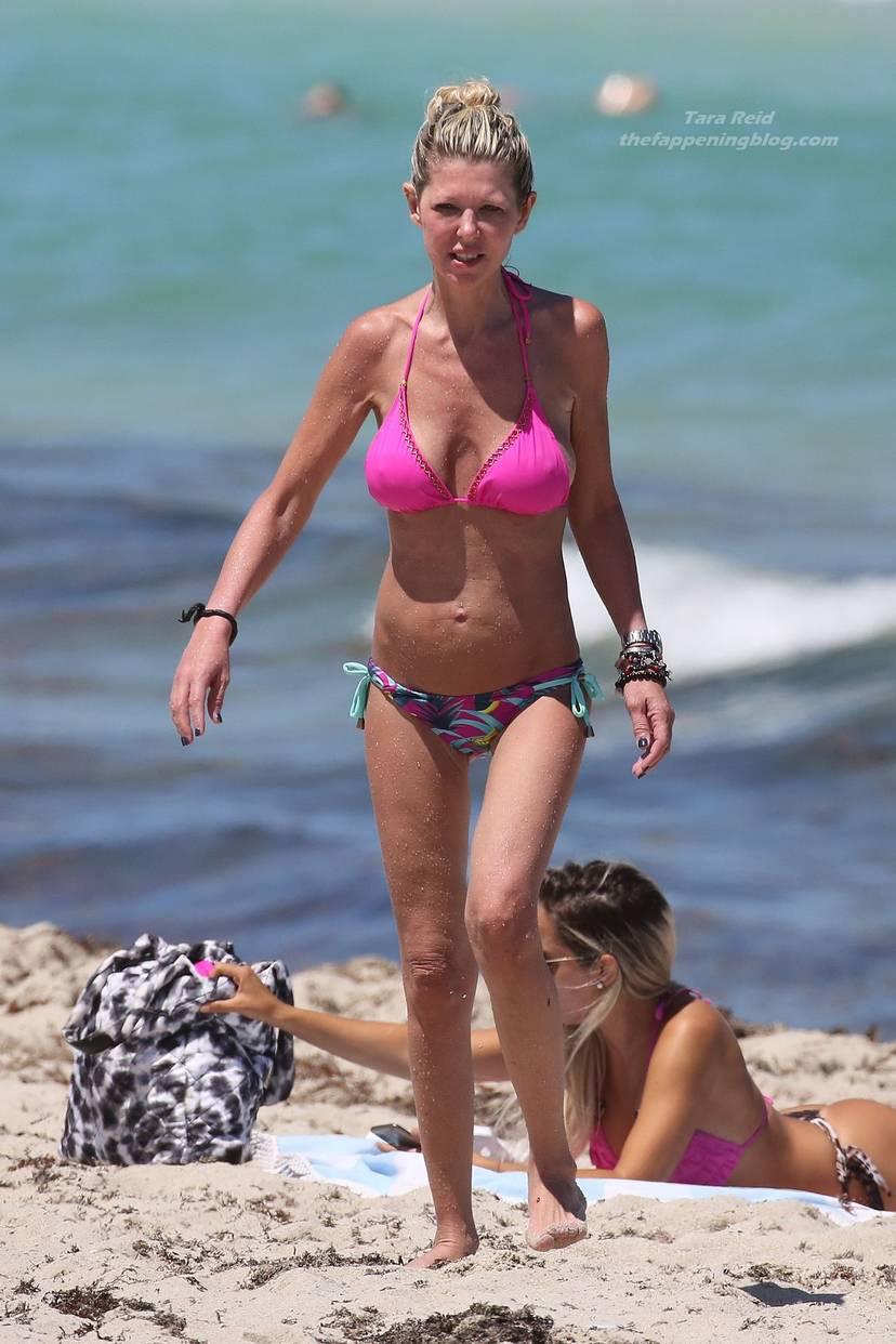 Tara Reid Bikini 30