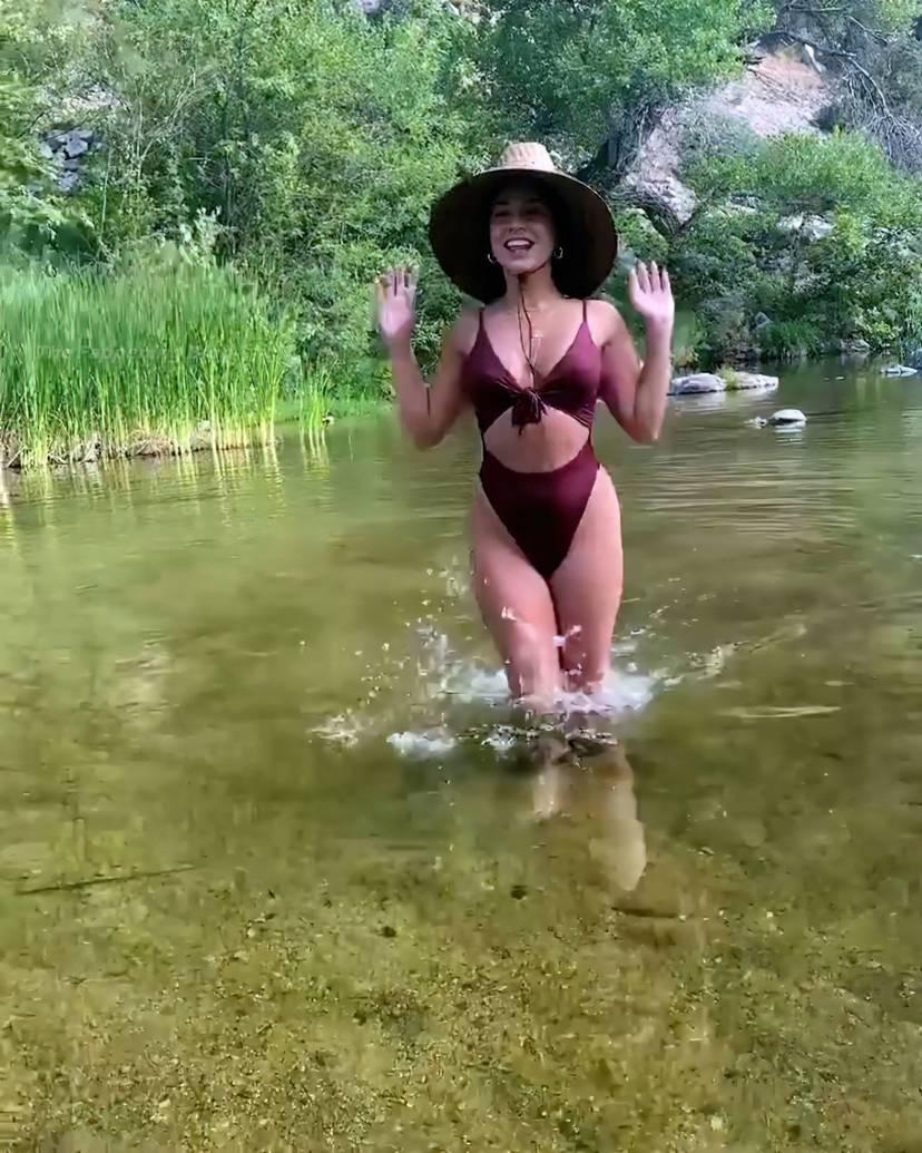 Vanessa Hudgens Sexy 10