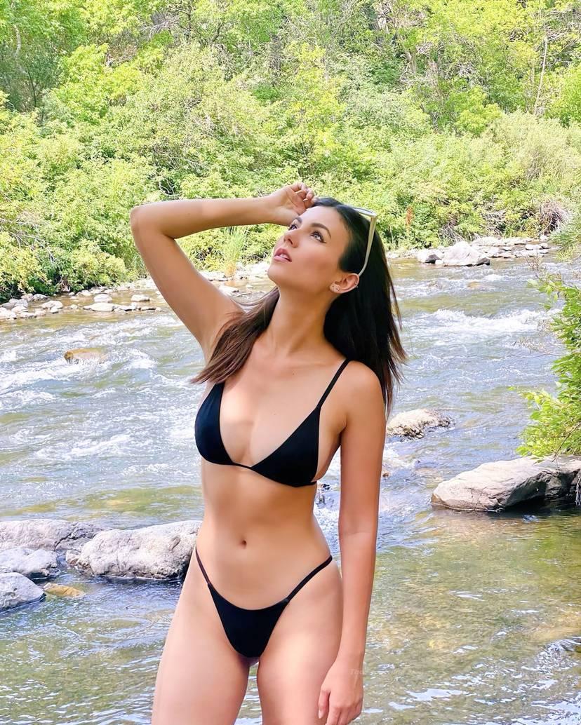 Victoria Justice Sexy 1