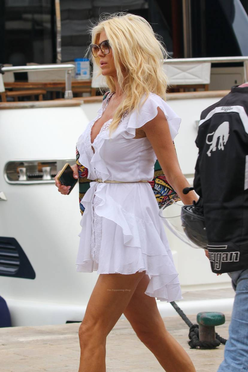 Victoria Silvstedt Sexy 1