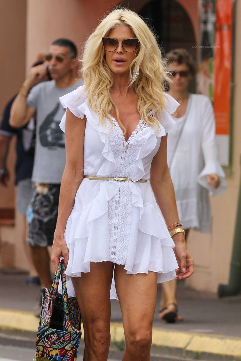 Victoria Silvstedt Sexy 7