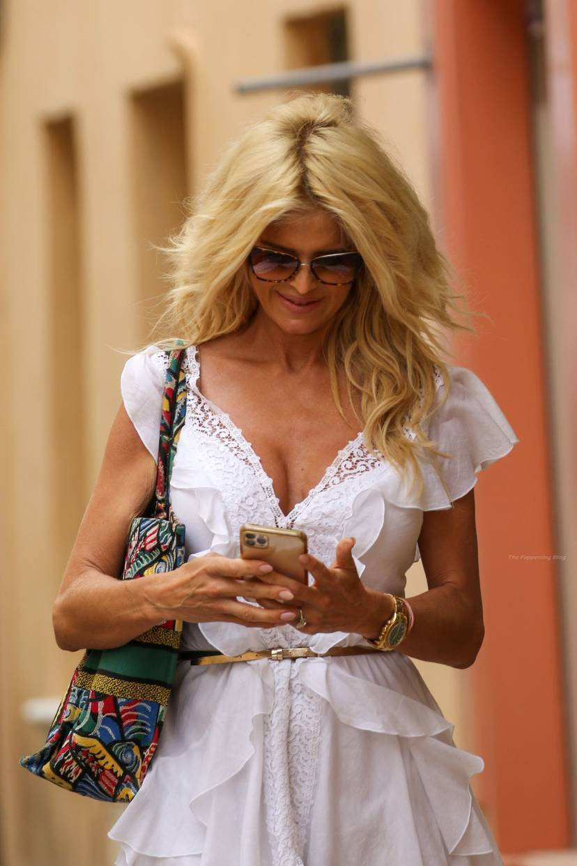 Victoria Silvstedt Sexy 13