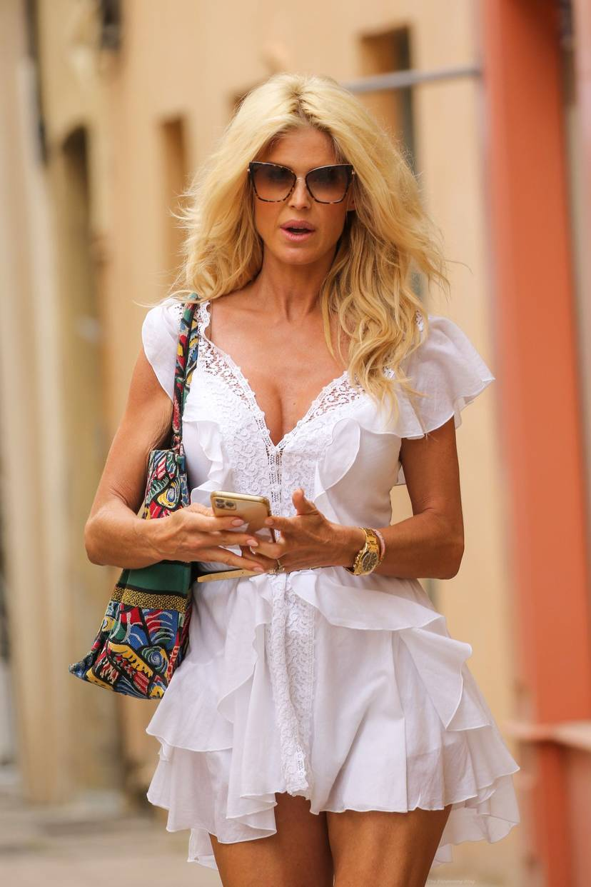 Victoria Silvstedt Sexy 14