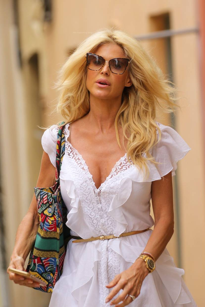 Victoria Silvstedt Sexy 16