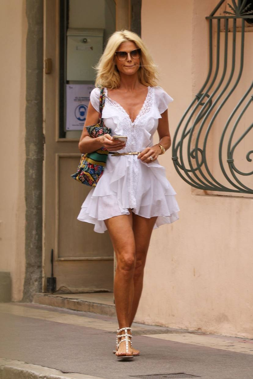 Victoria Silvstedt Sexy 23
