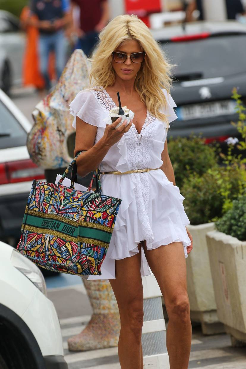 Victoria Silvstedt Sexy 32