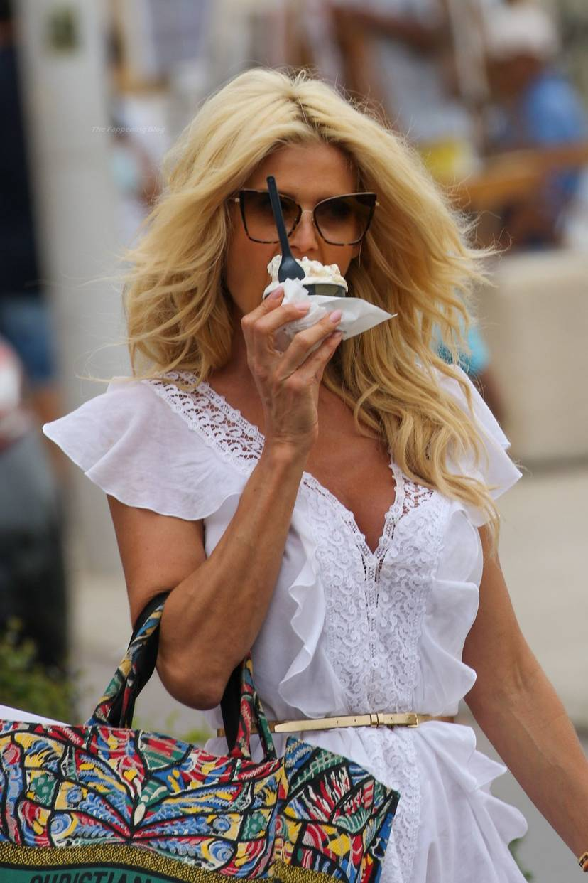 Victoria Silvstedt Sexy 34