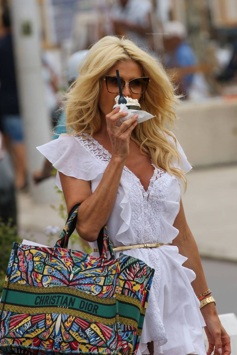 Victoria Silvstedt Sexy 35