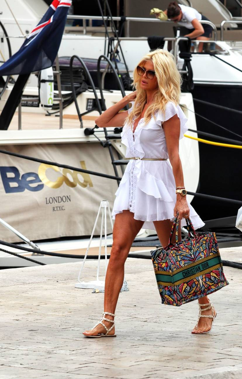 Victoria Silvstedt Sexy 41