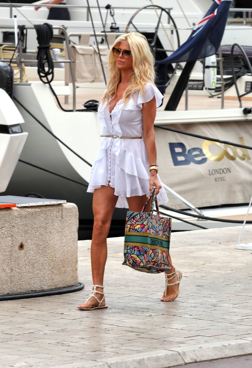 Victoria Silvstedt Sexy 42