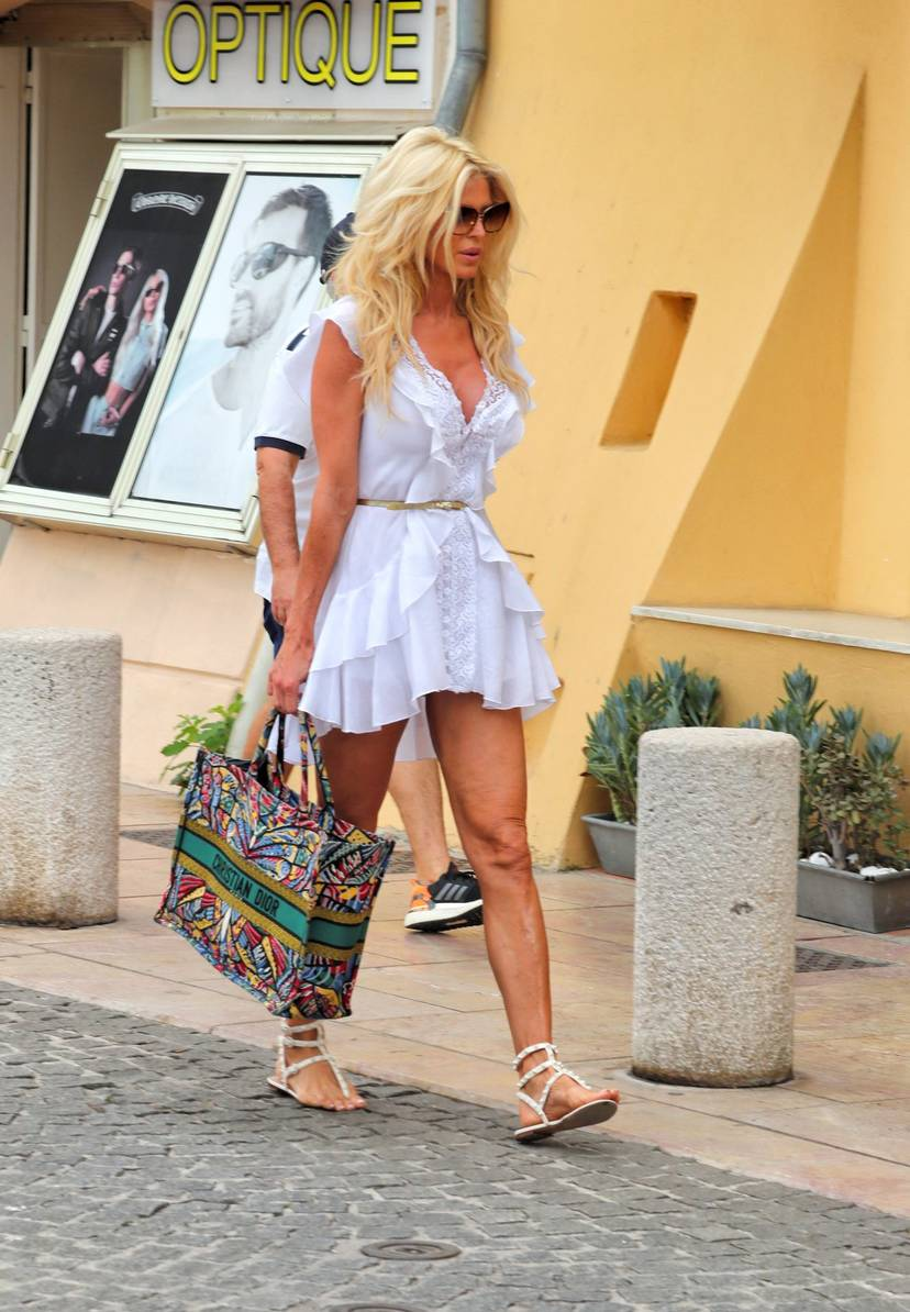 Victoria Silvstedt Sexy 47