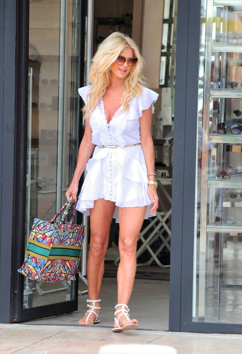 Victoria Silvstedt Sexy 48