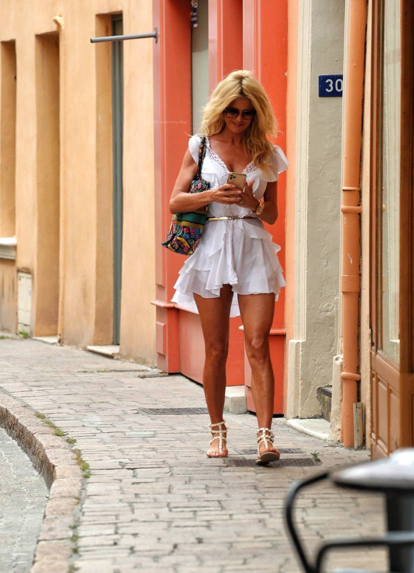 Victoria Silvstedt Sexy 50