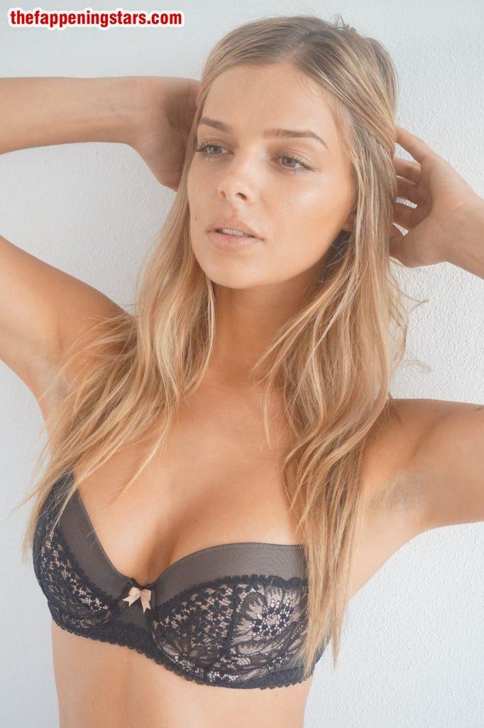 Attractive Nude Super Star Photos HD